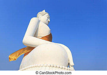 The lateral of the Buddha,Blue sky background the representative