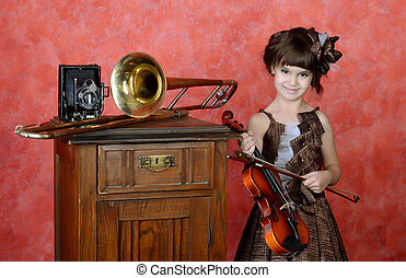 The little girl with a violin