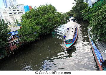 The long-tail boat in Bangkok