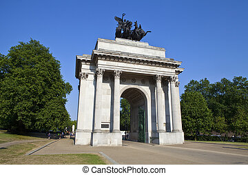 Wellington Arch in London - The magnificent Wellington Arch...