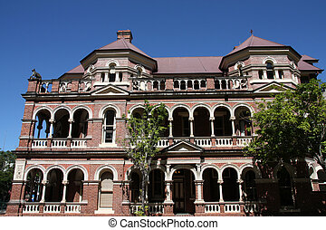 Brisbane - The Mansions - heritage listed group of six 3-...