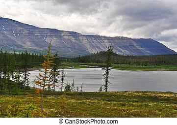 The mountains of lake.