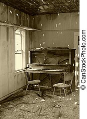 The Music Stopped - Old piano left in abandoned,...