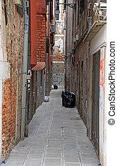 the narrow street in Venice