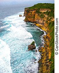 The ocean, waves at Uluvatu, Bali - The ocean, waves at ...
