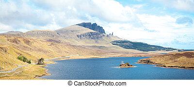 The Old Man Of Storr Isle of Skye Highland Scotland - Loch...