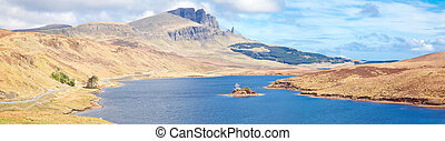 The Old Man Of Storr Scotland - Loch Leathan lake and The...