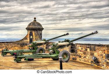 The One O'Clock Gun in Edinburgh Castle - Scotland