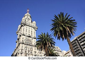 Palacio Salvo - The Palacio Salvo in Montevideo, Uruguay.