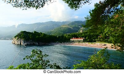 The park Milocr, Villa, beach Queen. Near the island of...
