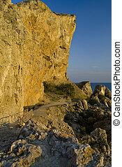 The path to the coastal cliffs
