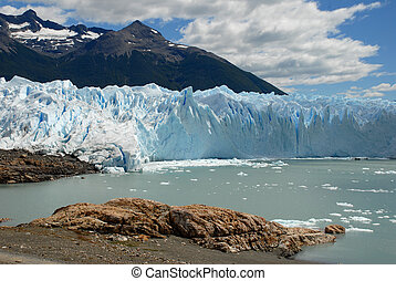 The Perito Moreno Glacier in Patagonia, Argentina. Lake ...
