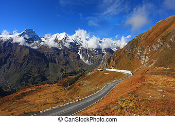 The picturesque way Grossgloknershtrasse - Austrian Alps. ...