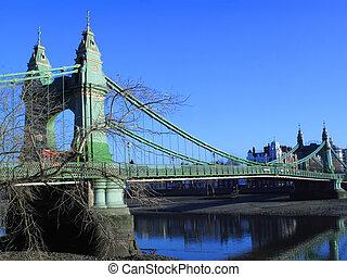 Battersea Bridge - The present Battersea Bridge across the ...