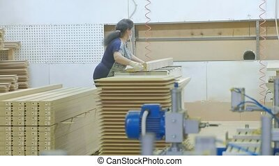 the process of grinding wooden blanks, the production of wooden doors