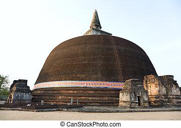 The Rankot Vihara or the Golden Pinnacle Dagoba in Polonnaruwa, 12th century, Sri Lanka