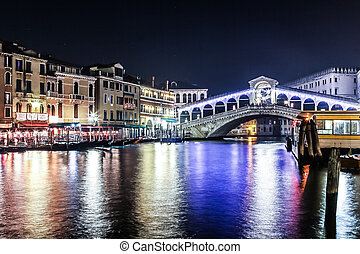 The Rialto bridge, Venice, Italy
