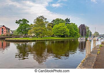 River Dart at Totnes Devon - The River Dart at Totnes Devon...