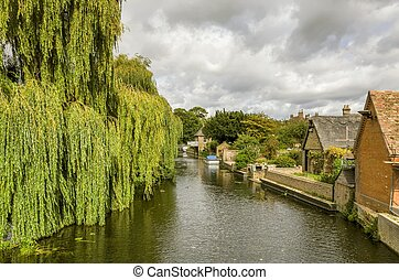 The river Great ouse in Godmanchester, Cambridgeshire, with...