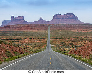 The Road to Monument Valley, Utah, USA