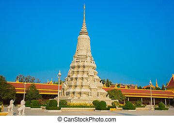 The Royal palace in  Phnom Penh, Cambodia, stupa