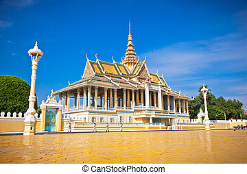 The Royal palace, Phnom Penh, Cambodia. - The Royal palace...