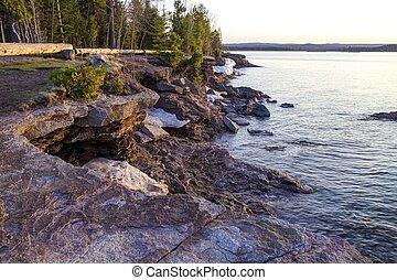 Presque Isle Park - The rugged Lake Superior shoreline in...