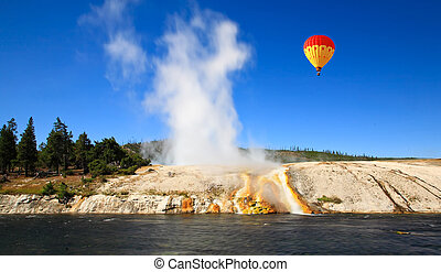 Midway Geyser Basin in Yellowstone - The scenery at Midway ...
