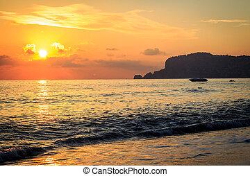 The setting sun in Alanya