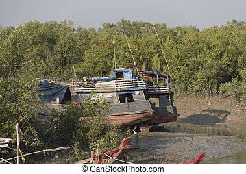 The ship ran aground on the beach after the storm, Burma