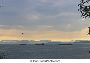 The ships on raid