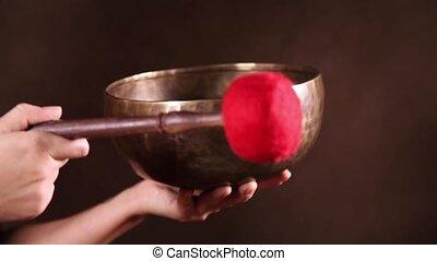 The sound of singing bowl - Tibetan singing bowl being made...