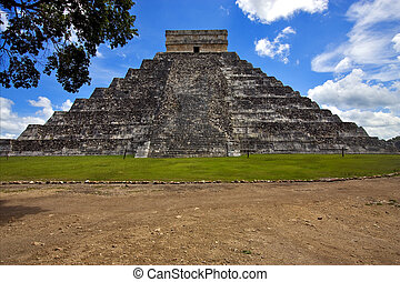 el castillo quetzalcoatl - the stairs of chichen itza temple...
