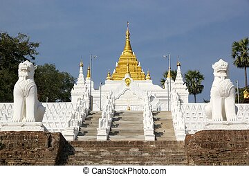 The stairway to Mingun Pahtodawgy Myanmar - The stairway ...