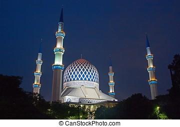 The Sultan Salahuddin Abdul Aziz Shah Mosque in Shah Alam,...