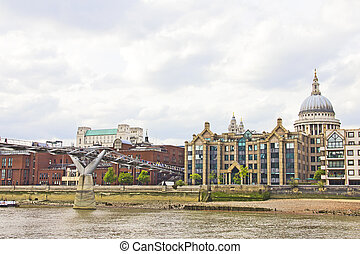 The Thames River and the St Paul's Cathedral