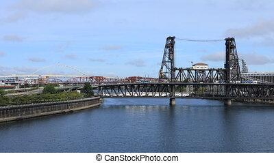 Timelapse Portland, Oregon bridges by the Willamette River -...