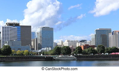 Timelapse Portland, Oregon downtown across the Willamette River