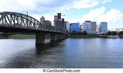 Timelapse Portland, Oregon skyline and bridge the Willamette...