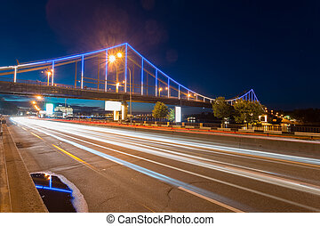 the traffics on the overpasses at night