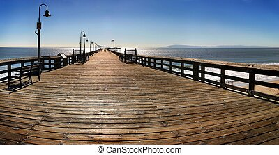 Ventura Pier - The Ventura Pier with Santa Cruz Island in...