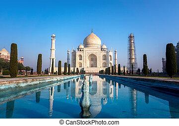 The view of Taj Mahal at sunrise, Agra, India.
