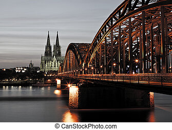 Cologne at Night - The view on the majestic Dome in Cologne ...