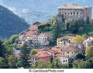 The village of Calice al Cornoviglio, Lunigiana, Italy....