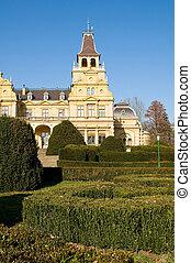 The Wenckheim-castle with the park