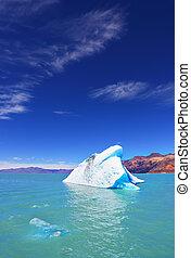 The white-blue icebergs