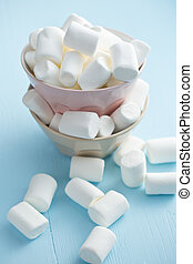 white marshmallows in bowl