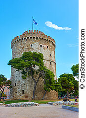 The White tower and city square in Thessaloniki, Greece