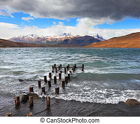 The wind and waves at the Laguna Azul