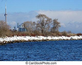 The winter shore of the Lake Ontario in Toronto
